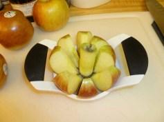 2 apples sliced