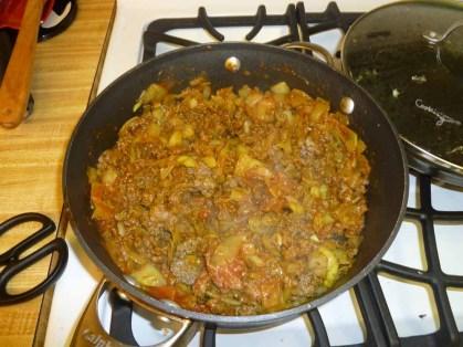 Kima mixed with tomato sauce