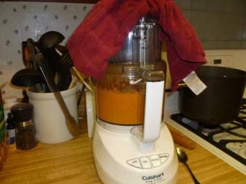 Pomodoro Sauce Blending