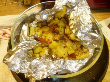 Keeping Cauliflower With Tomatoes Warm