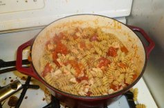 Pasta & Chicken With Butter and Onions
