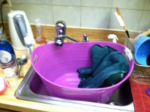 makeshift laundry basket sink tub